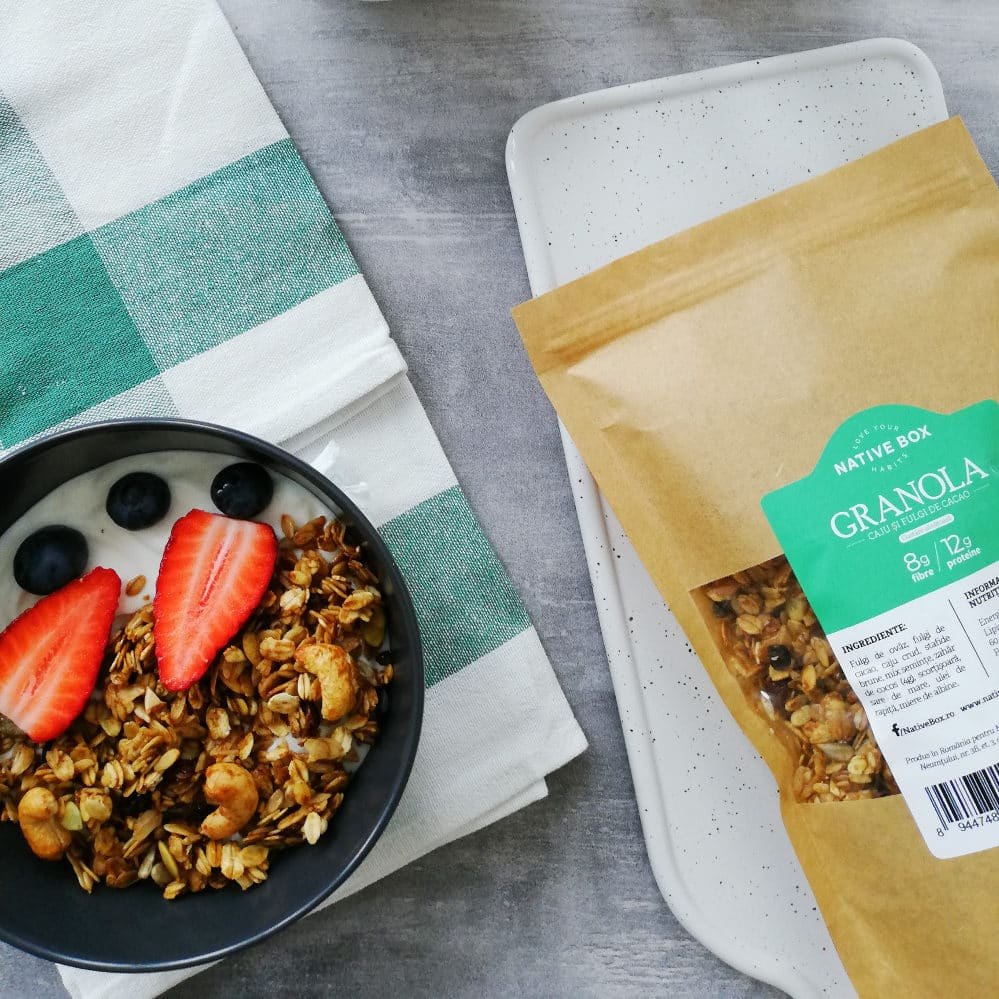 Granola Caju si Fulgi de Cacao NativeBox